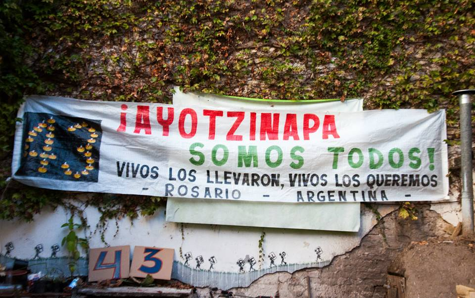 Foto: Rosario con Ayotzinapa
